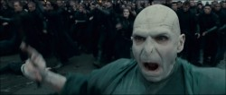 Voldemort_and_his_followers_at_the_Battle_of_Hogwarts